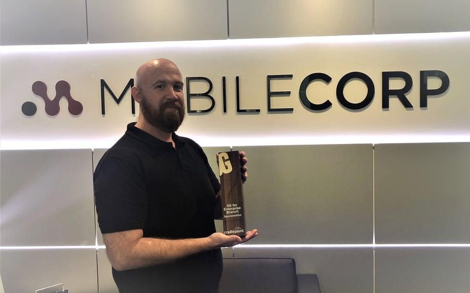 Phill with Cradlepoint 5G for enterprise branch award LI